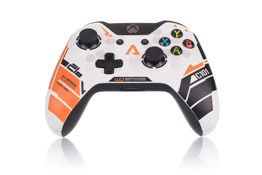 Microsoft Xbox One Wireless Controller - Titanfall Limited Edition